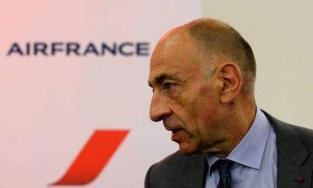 LE PDG D'AIR FRANCE-KLM FUSTIGE LE PROJET D'UNE TAXE SUR LES BILLETS